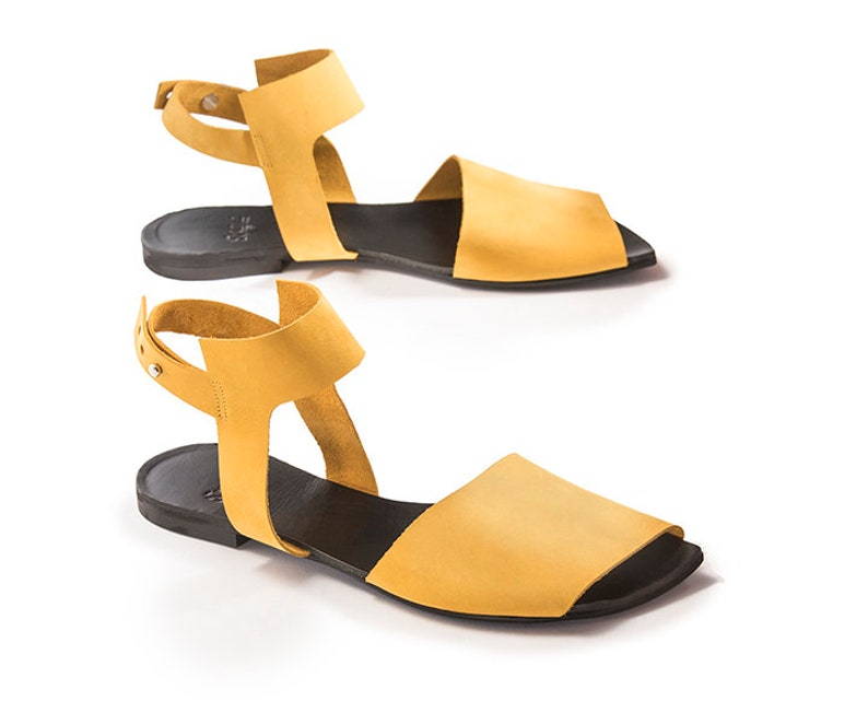 3bab4abd3118 Yellow Sandals Black Green Flat sandal Leather woman