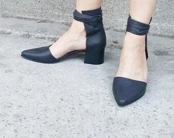 Black Heel Leather Sandals, Woman Shoes, Woman Leather sandals, Textured, Pointy, Black leather summer shoes, Dress Shoes, Designers shoes,
