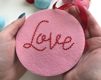 Love bauble - simple embroidery kit