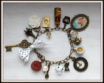 Alice in Wonderland Jewelry bracelet  handmade Gift-White-eat me drink me mini glass bottle Fimo cake