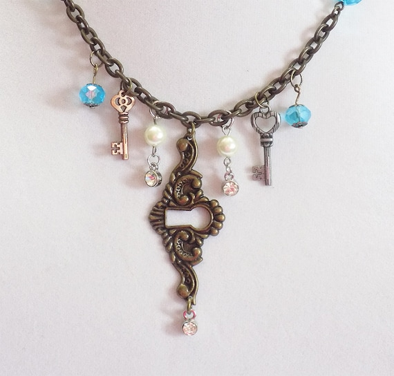unique keyhole bronze necklace with pearls