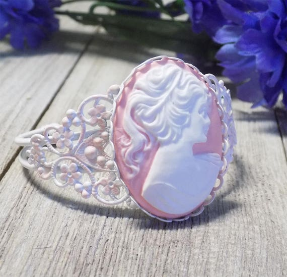 large Vintage style Victorian white filigree bracelet with 30x40 mm pink lady cameo