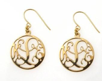 """Monogram dangle earrings. Gold monogram earrings. 0.8"""" monogram earrings. Personalized earrings. Monogram jewelry. Personalize Gold earring"""
