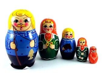 Nesting Dolls 5 pcs Russian matryoshka babushka. Stacking wooden toy for kids made in Russia. Christmas or birthday gift for son grandson