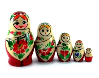Nesting Dolls 5 pcs Russian matryoshka babushka. Stacking wooden toy for kids made in Russia. Christmas or birthday gift for granddaughter