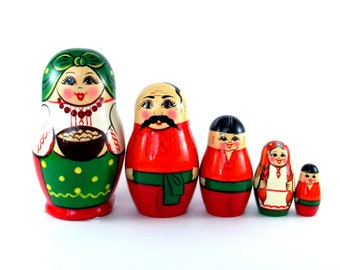 Nesting Dolls 5 pcs Russian Matryoshka Babushka Ukraine. Stacking wooden toy for kids made in Russia Christmas or Birthday gift for daughter