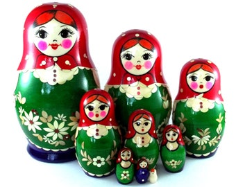 Russian Nesting Dolls Matryoshka Babushka. Stacking wooden toy for kids made in Russia. Christmas or Birthday gift for mom daughter 9 pcs