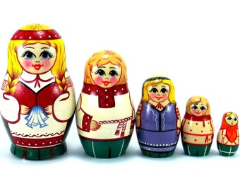 Nesting dolls matryoshka babushka Belarus 5 pcs. Stacking wooden toy for kids made in Russia. Christmas birthday gift for daughter