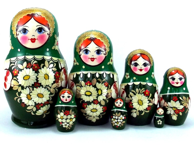 Nesting Dolls 7 pcs Russian matryoshka babushka. Stacking image 0