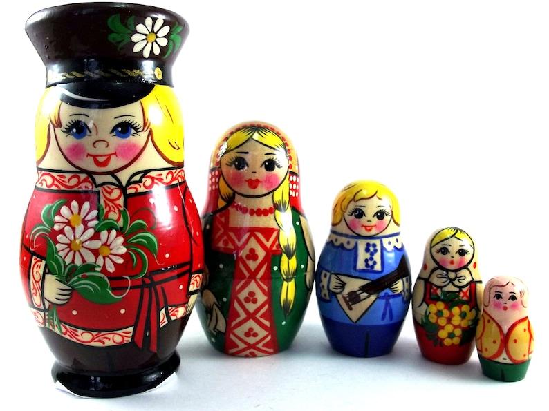 Matryoshka 5 pcs Russian Nesting Dolls Babushka Stacking image 0