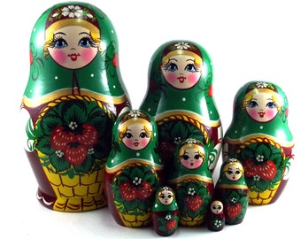 Nesting Dolls Russian Matryoshka babushka. Stacking wooden toy for kids 8 pcs made in Russia. Christmas Birthday gift for her granddaughter