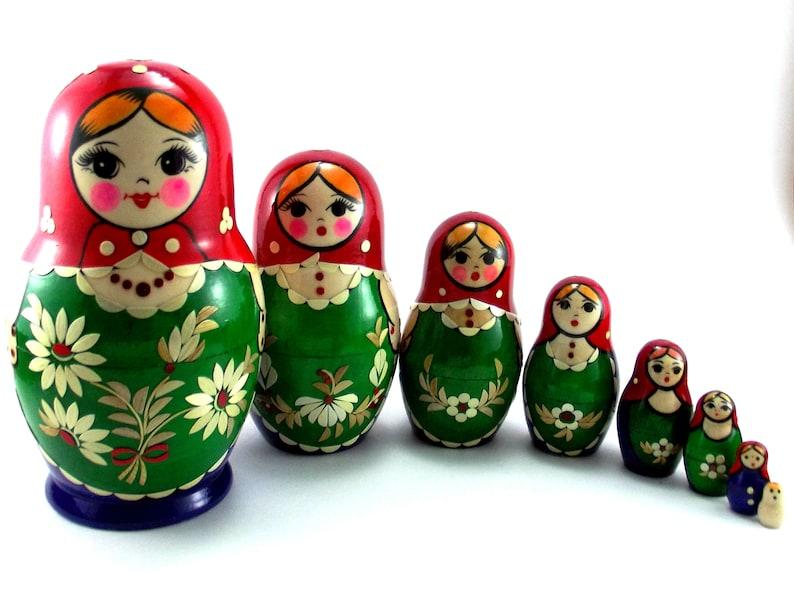 Matryoshka 8 pcs Russian Nesting Dolls Babushka. Stacking image 0