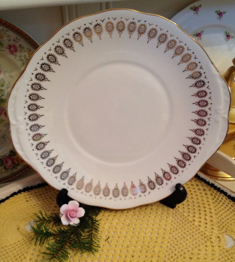 CP032 Gorgeous Queen Anne Cake Plate in white with gold gilded pattern C1950