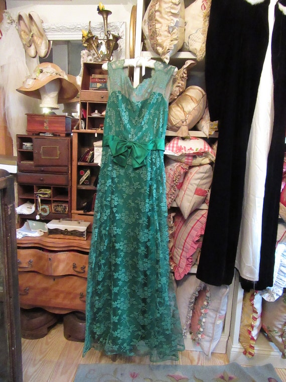Malcolm Starr Gorgeous 1960's Emerald Green Lace E