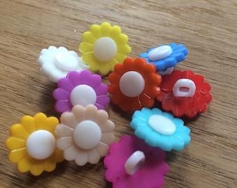 10 Flower Buttons