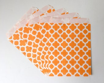"""White with Orange Quatrefoil Print Flat Paper Bags   Birthday Party Favor Treat Bags   Set of 10   5 1/8""""x 6 7/8"""""""