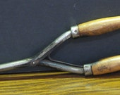 Antique Fire Heated Wood Handle Curling Iron Tongs - 9 1 2 quot 1920s 1930s Vintage