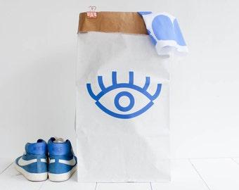 Paperbag / storage bag / toy storage / storage of books magazines / laundry basket / white kraft hanprinted / Eye