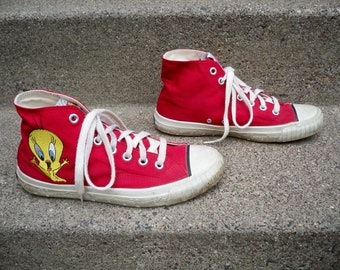 36a90fc659e Vintage 90 s Keds Looney Tunes Cartoons Red High Top Shoes Sneakers Womens  Kicks Made in Korea Size 8.5
