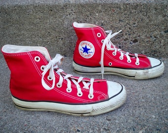 9586e5043b0289 Vintage CONVERSE Chucks All Star Red Canvas High Top Men s Shoes Sneakers  Kicks Made in USA Size 4.5