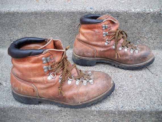 f1c4168b26119 Vintage Red Wing Irish Setter Mountaineering Hiking Stomper Backpacking  Trail Camping Brown Leather Men's Boots Made in USA Size 9