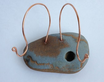 Multipurpose Beach Stone Coaster Holder, Copper Wire Photo Holder, Ring Jewelry Display, Business Card Holder, coastal decor