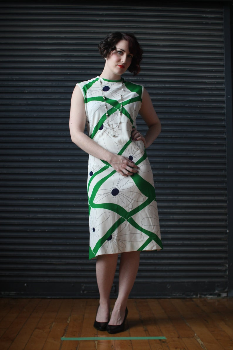 Vintage sleeveless jersey dress in green and white psychedelic image 0