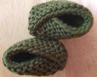 Fine merino wool baby booties