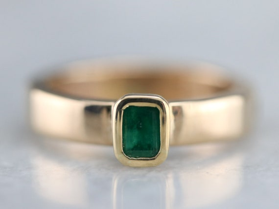 Yellow Gold Emerald Solitaire Ring, Emerald Engage