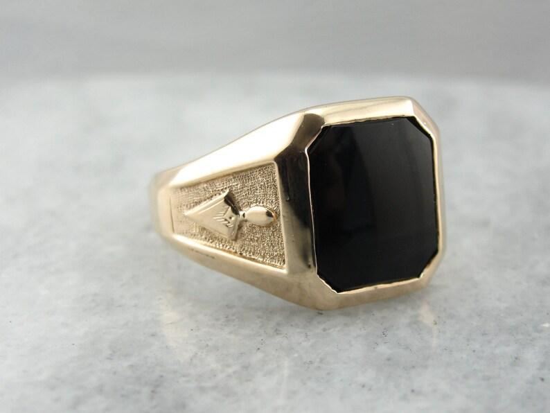 43288e324cfcf Subtle Masonic Symbols, Vintage Mens Black Onyx Ring N4TJ3H-R