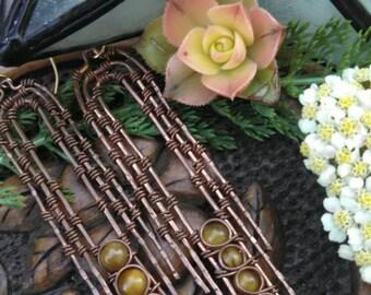 Tigers Eye Zig-zag woven copper earrings. Wire wrapped jewelry handmade. Wire earrings