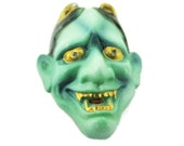 Toshikane 19mm Hannya button Green Female Demon Mask for Noh Play Hand Painted Arita Porcelain Japanese Theater For Jewelry or Sewing