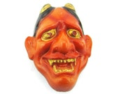 Toshikane 19mm Hannya button Red Female Demon Mask for Noh Play Hand Painted Arita Porcelain Japanese Theater For Jewelry or Sewing