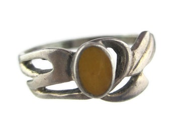 Vintage  Inlaid Yellow Jade Sterling Silver 925  Ring Size 9