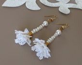 Dangle Pearl Earrings, Bridal Boho Jewelry, Lace Earrings, White Long Dangle, Pearl Wedding Jewelry, Floral Pearl Earrings, Bridesmaid Gift