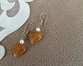 Agate Heart Earrings, Fall Jewelry, Heart Gemstone Earrings, Lightweight Minimal Dangle, Pearl Jewelry, Pearl Dainty Earrings, Gift for Her