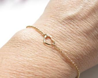Open Heart Bracelet, Floating Heart Bracelet, Gold Filled Heart Bracelet, Delicate Heart Bracelet, Bridesmaids Gift, Something simple