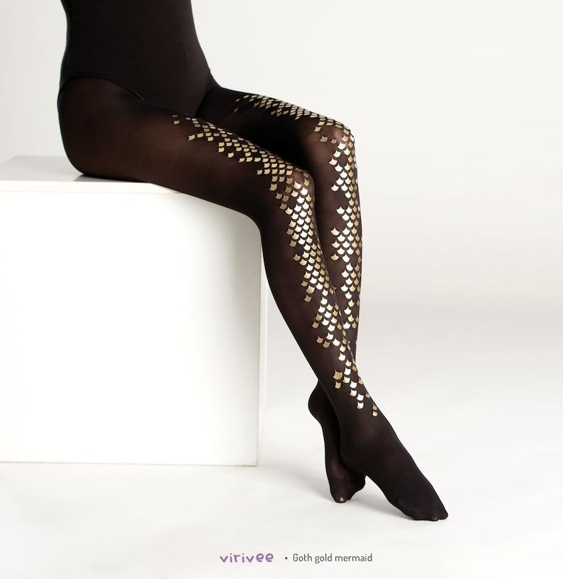 eb6e63d7ecf5c Glänzend Gold skaliert schwarze Strumpfhosen. Goth Meerjungfrau alternative  Mode halbdurchsichtige Strumpfhose