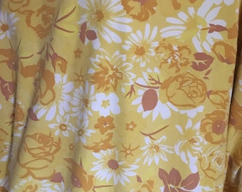 70s yellow swedish vintage fabric. Medium cotton weight. Good condition. Beautiful floral pattern. Craft mod roses