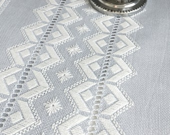 Swedish vintage table runner Handmade embroidered wedding table decoration Cottage chic Shabby chic decor vintage linens