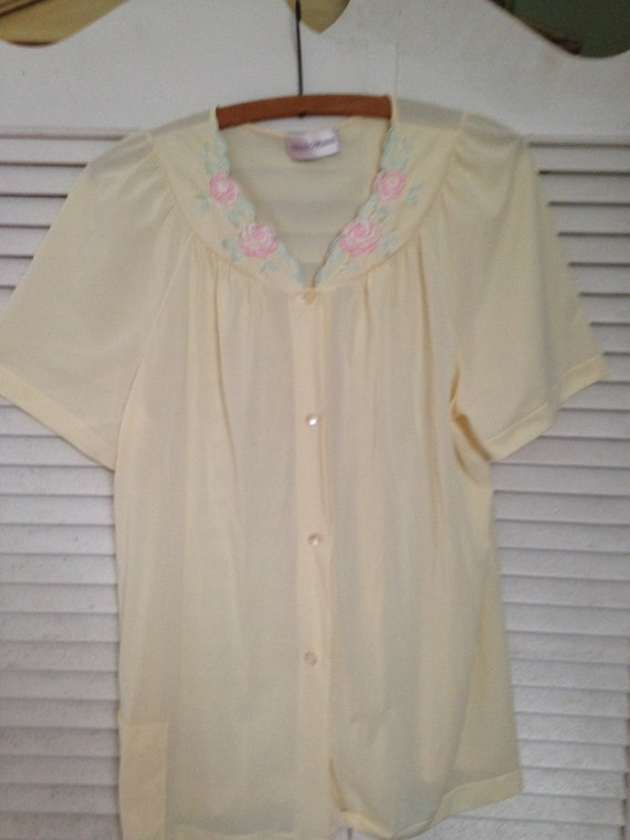 Vintage Shadowline Butter Yellow Embroidered Blous