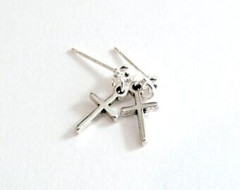 Σκουλαρίκια με σταυρό / Silver cross earrings