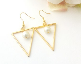 Triangle Pearl earrings, Geometric gold earrings, Gold pearl earrings, Minimalist earrings, Anniversary gift, Everyday jewelry, Gift for her