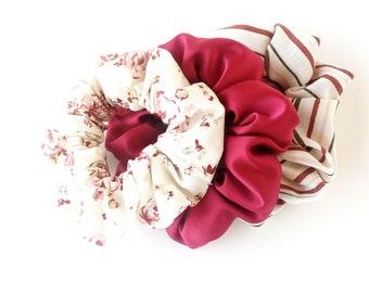 Set 3 blue yellow floral scrunchies ,  Σετ λαστιχάκια για τα μαλλιά