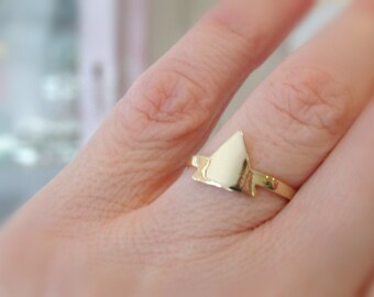 Eπίχρυσο δαχτυλίδι τρίγωνο / Triangle gold ring