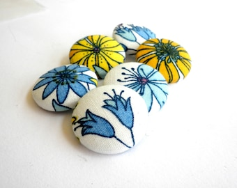 Fabric covered buttons -Floral buttons - Sewing buttons wire back - Size 45 28mm 1 1/8in -Blue  fabric buttons  -Yellow floral buttons