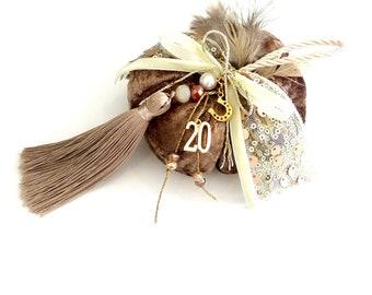 Velvet brown pumpkin new year 2020 protection gift  /Γούρι 2020 χειροποίητη βελουτέ κολοκύθα