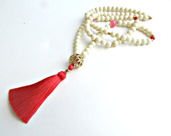 Beaded tassel necklace, Long tassel necklace, Ivory beige glass beaded necklace, Pink tassel, Gold pendant with tassel, Summer necklace