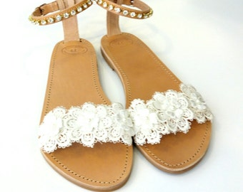 Bridal lace and pearls sandals, Wedding flat leather sandals, White lace flowers, Greek leather sandals, Beach party shoes, Summer shoes