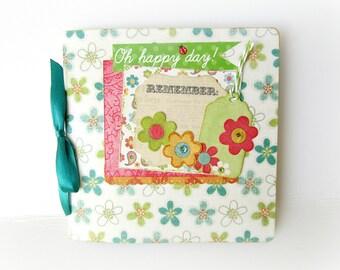 Floral scrapbook mini album / Premade pages album/ Spring photo mini album / Square album 6x6/ Memories photo book/ Handmade mini album